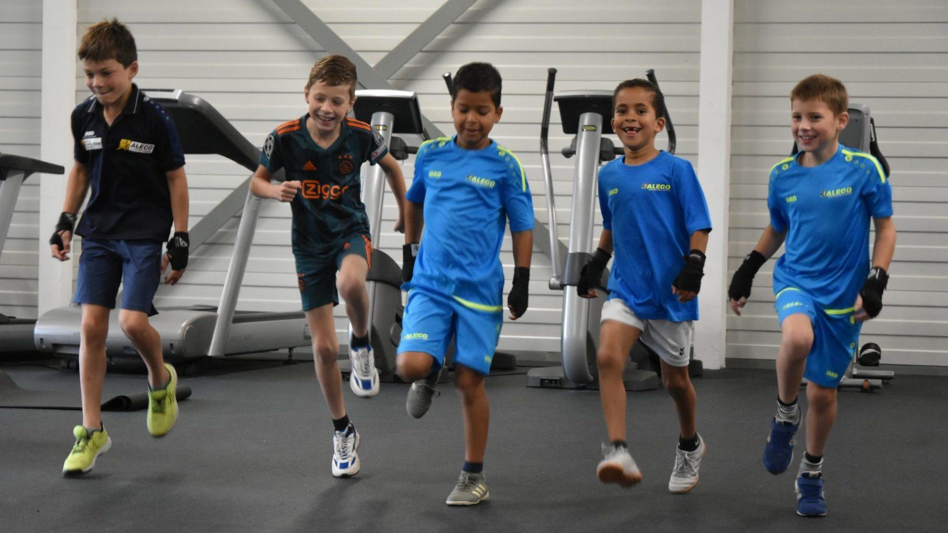 kids-boksen: sociaal-zorgzaam en leuk!
